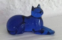 Petit chat Franklin Mint couché, bleu